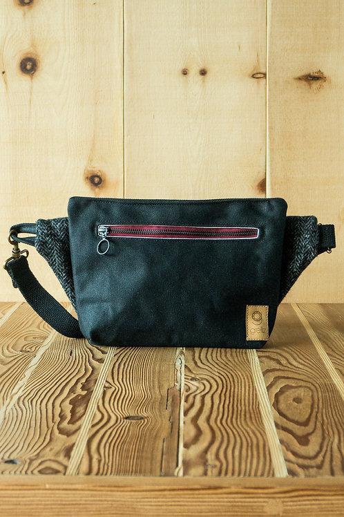 Multifunctional bag Yaara (black-bordeaux)