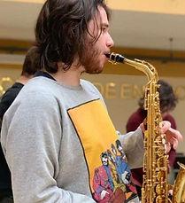 José Vitor Sochan - Professor de Saxofone e Flauta Transversal