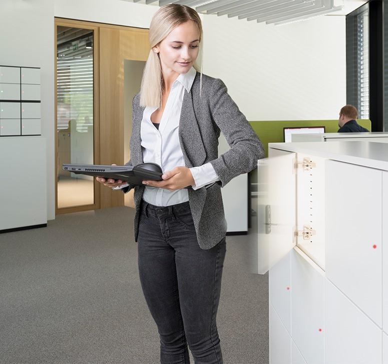 lockers-system-in-office