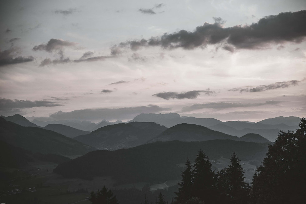 scenic-view-of-mountains-during-dawn-Bw.