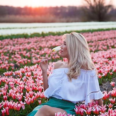 Tulips fields with Mia