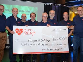 La 25e édition procure 126 500 $ - un record - pour les paniers de Noël