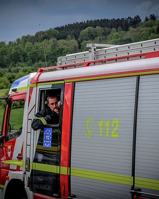 Rettungsgasse_Graded2_edited.jpg