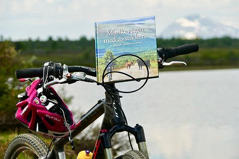 Boka-på-sykkel.jpg