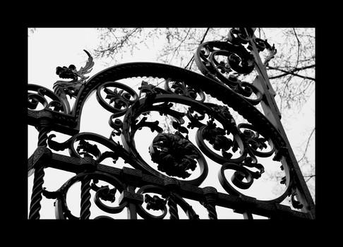 Metal Rosiform Gate - New England 1764