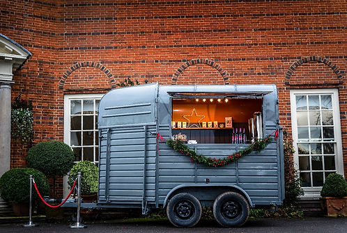 Bodega Box Bar Mobile Bar Processo Bar Wedding Bar Gin Bar Horse Box Bar