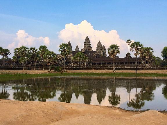 Thao (Ashley Dam) Photo 2 Angkor WatS.JP