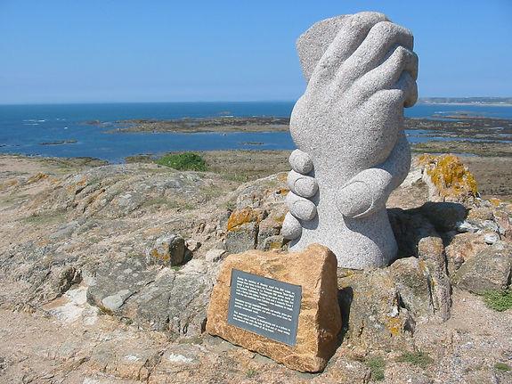 Saint-Malo_monument,_Jersey.jpg