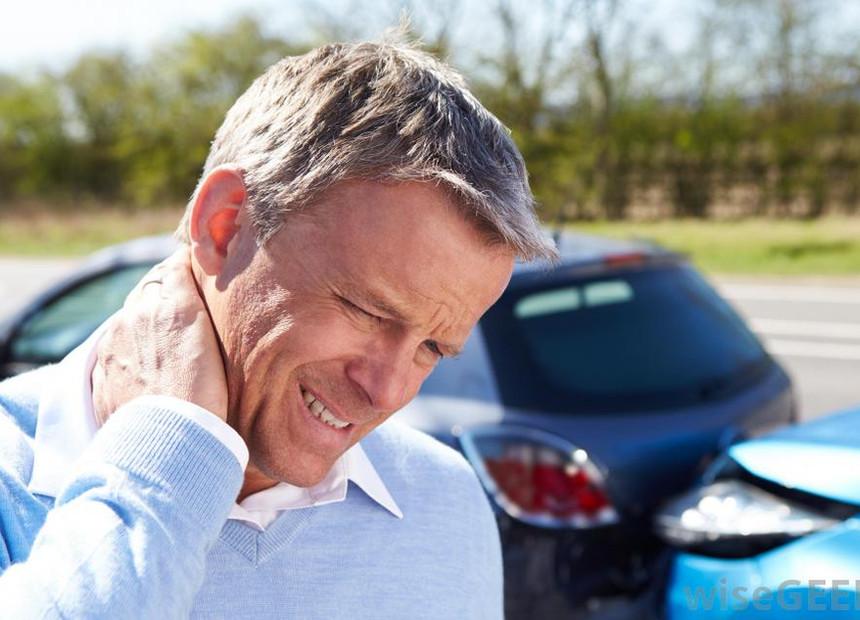 whiplash-car-accident-neck-pain.jpg