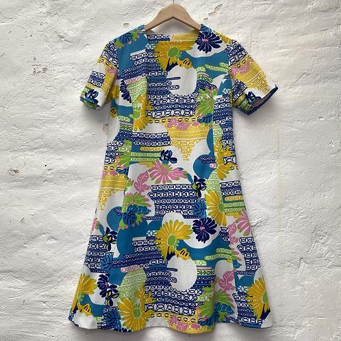 Robe à motif fleuri et coloré avec col droit, années 60, TM