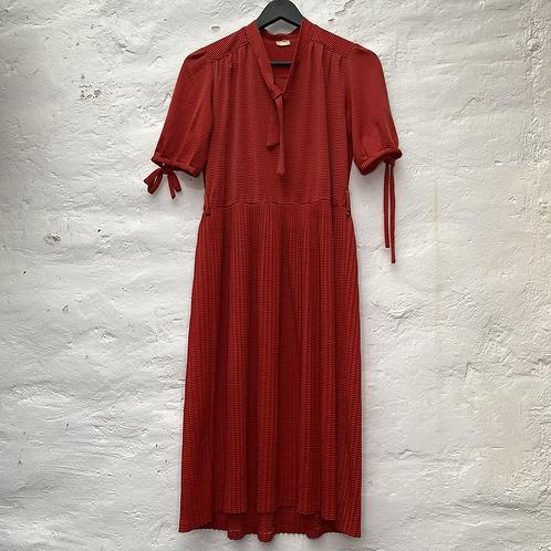 Robe longue rouge à rayure, années 70, TS-M