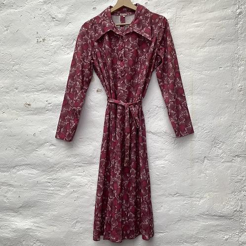 Robe vieux rose et motif fleuri, années 70, TM
