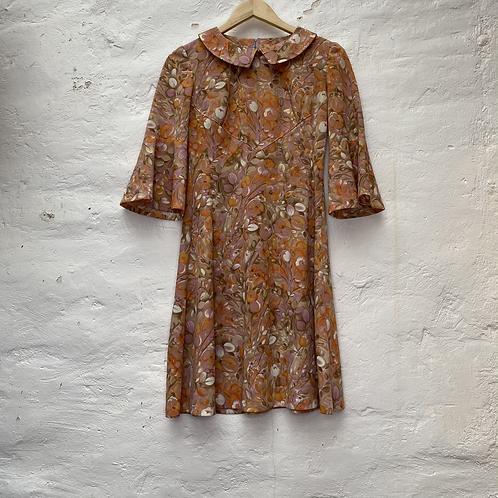 Robe mi longue à motif floral orange et rose, années 70, TS-M