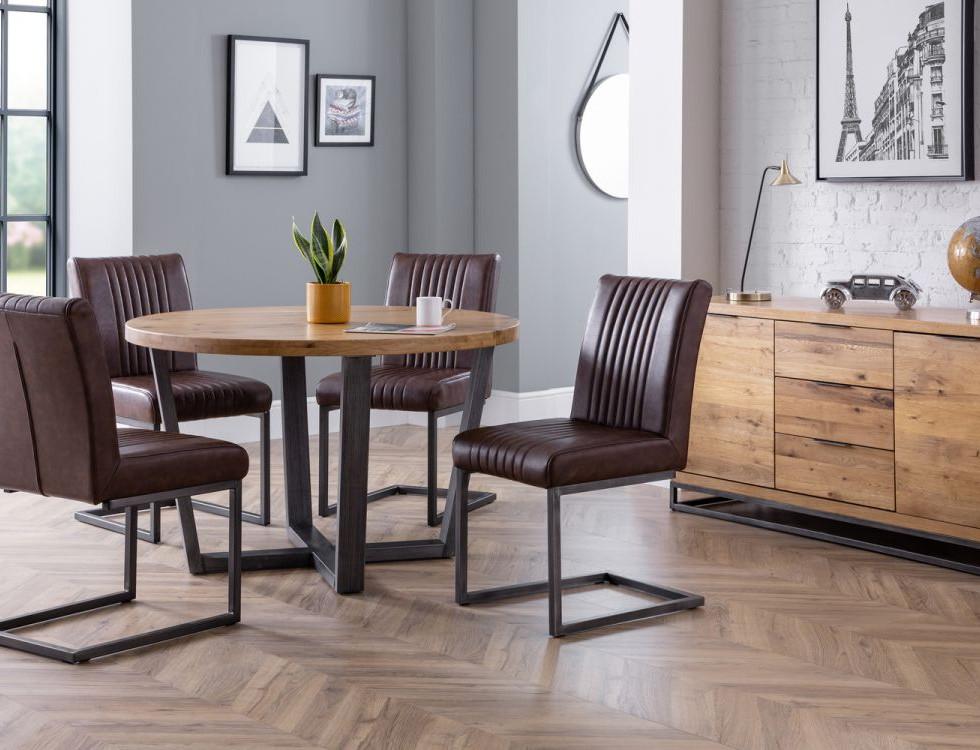 brooklyn-round-table-4-brooklyn-chairs-roomset.jpg