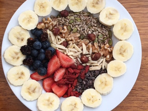 CHOCCY CHIA SEED PUDDING WITH FRUIT, NUTS & SEEDS