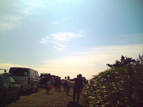 札幌T&Iサーフショップではサーフィンを始めてみたい方に体験レッスンをご用意しております