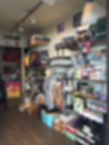 札幌T&Iサーフショップではグッズももちろん、RVCAなどアパレルも在庫してます。