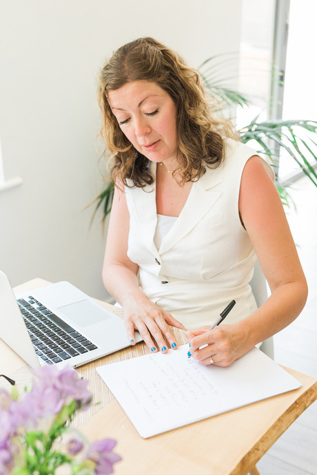What is fertility nutrition? | Registered Surrey Nutritionist Specialising in Fertility & Preconception |  Helping couples who are suffering from infertility to harness nutrition to maximise the chances of conceiving | Claudia Bruen Fertility Nutrition