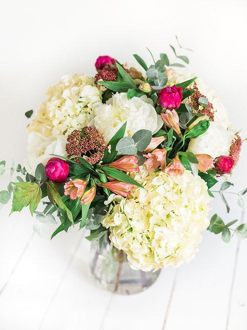 Moonflower Cobham Florist | Flower Delivery Cobham Esher Weybridge Walton Leatherhead Oxshott