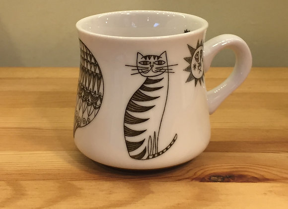 白色陶瓷杯
