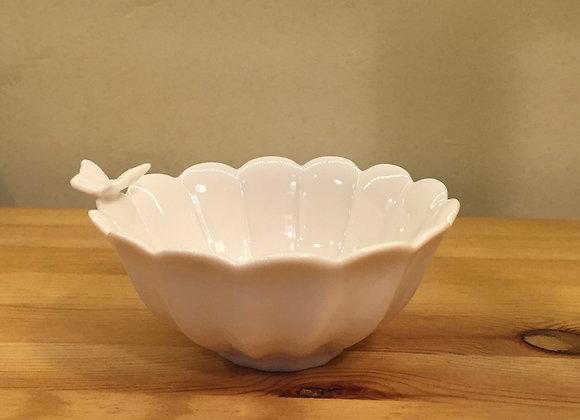 蝴蝶白瓷碗