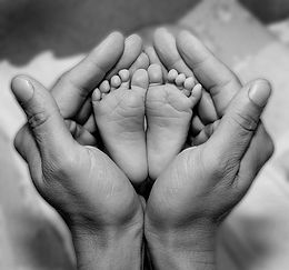 baby,black,and,white,feet,hands,photogra