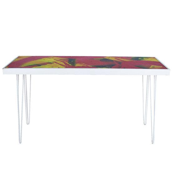 Tapas Table Graffiti, White Frame w/ White Hair Pin Legs