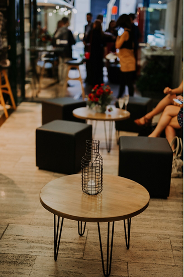 Coffee Table Oak Round w/ Black Hair Pin Legs