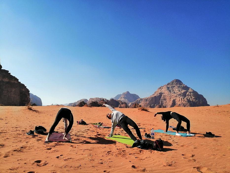 Yoga_WadiRum_2.jpg