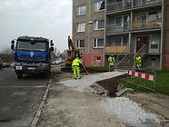 Opravy chodníků a místních komunikací v plném proudu