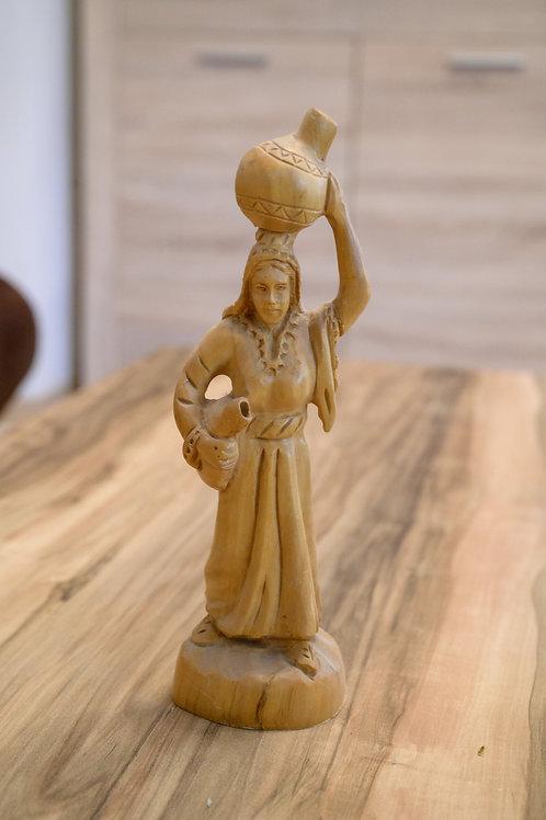 Olivenholz Schnitzerei - Frau mit Wasserkrug