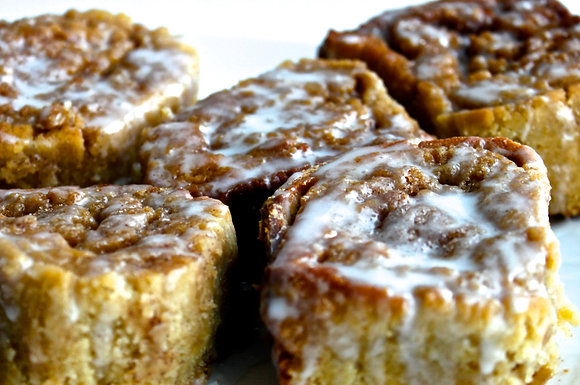 Cinnamon Buns (4 pcs)