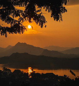 phu si hill and its iconic sunset