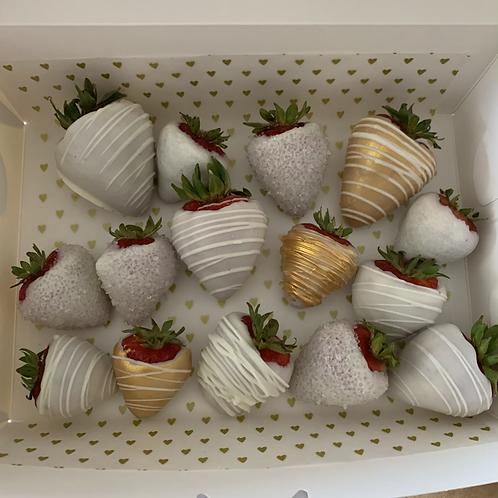 Gold and white chocolate strawberries (12+)