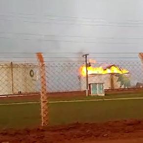 Reservatório de álcool pega fogo em usina na zona rural de Ituiutaba