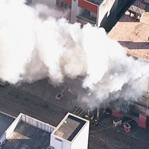 Incêndio atinge comércio, em Contagem, na Grande BH