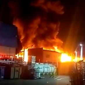 Incêndio atinge fábrica de plásticos após queda de balão em São Bernardo do Campo