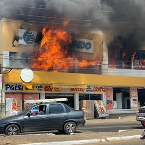 Incêndio atinge loja de eletrodomésticos em São Luís