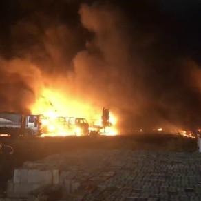 Incêndio atinge depósito de carros do governo do estado, no Centro do Recife