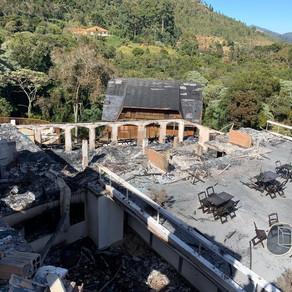 Perícia condena parte da estrutura de hotel atingido por incêndio em SP;