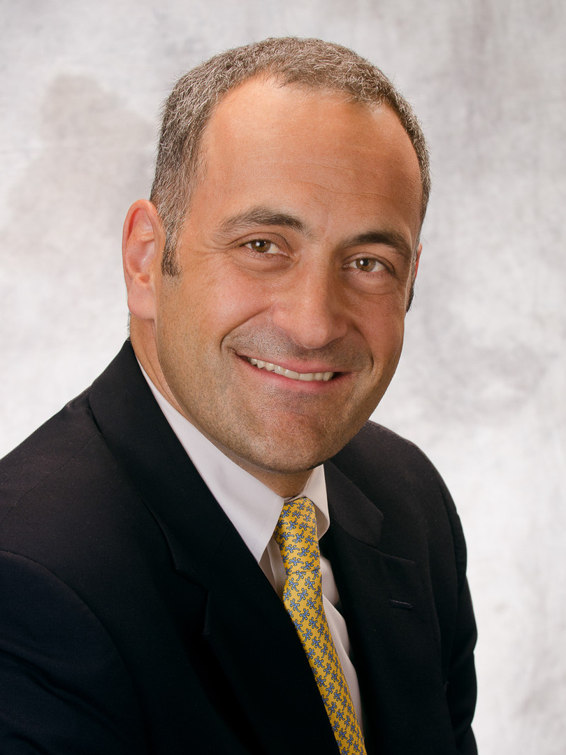 Dr. Eric R. Arzubi, MD