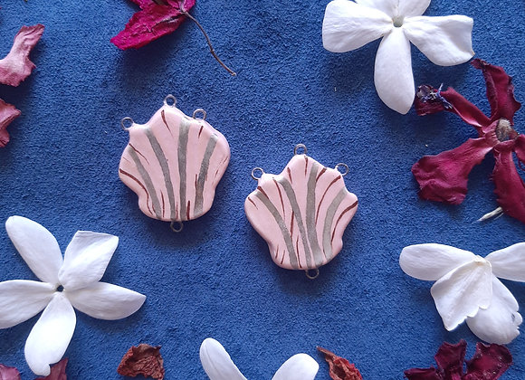 Seashell Four Loops Connector Beads