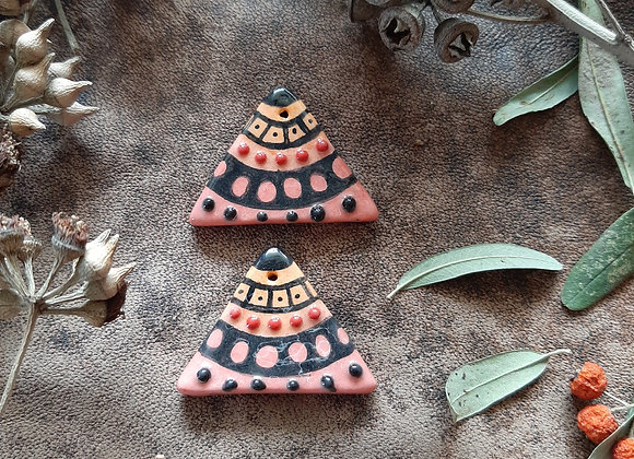 From Orange to Light Red Triangle Charm Beads