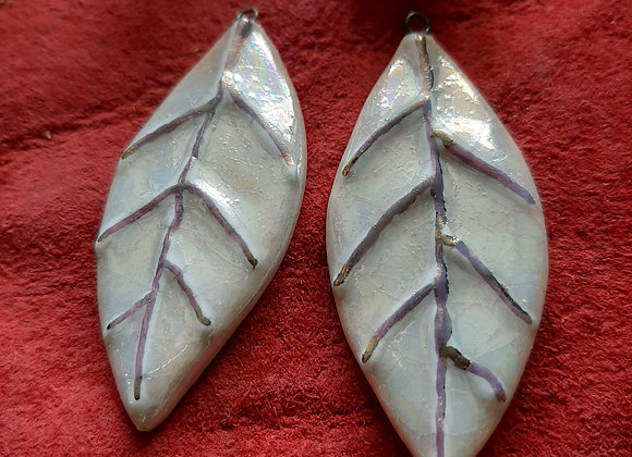 Pearly White Leaves