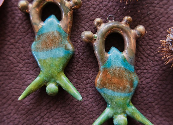 Multicolor Gold Detailed Pendant Beads