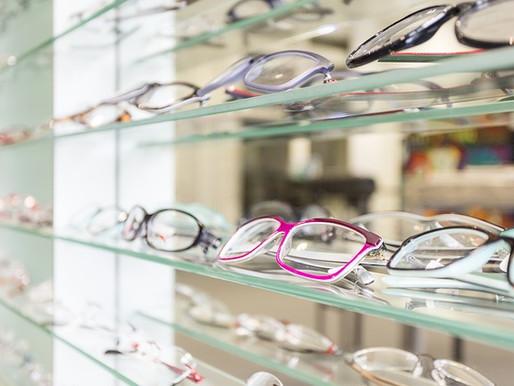거대한 안경 기업이 스위스의 안경 유통업체들을 떨게 한다