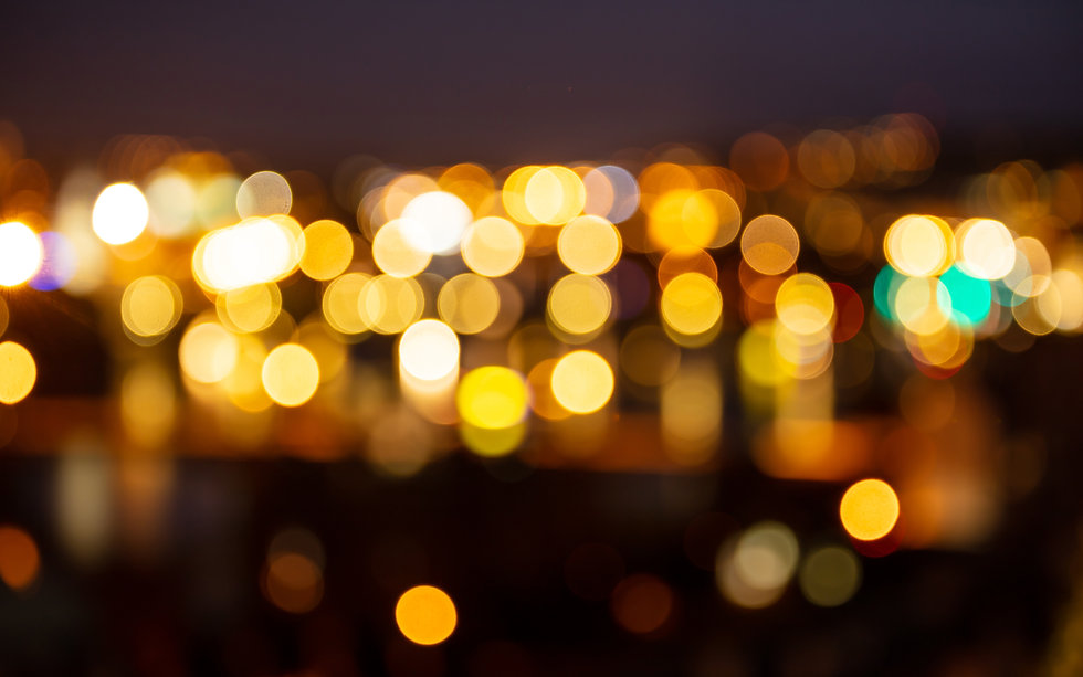 city-lights-at-night-bokeh-defocused-background-RWQEGPZ.jpg