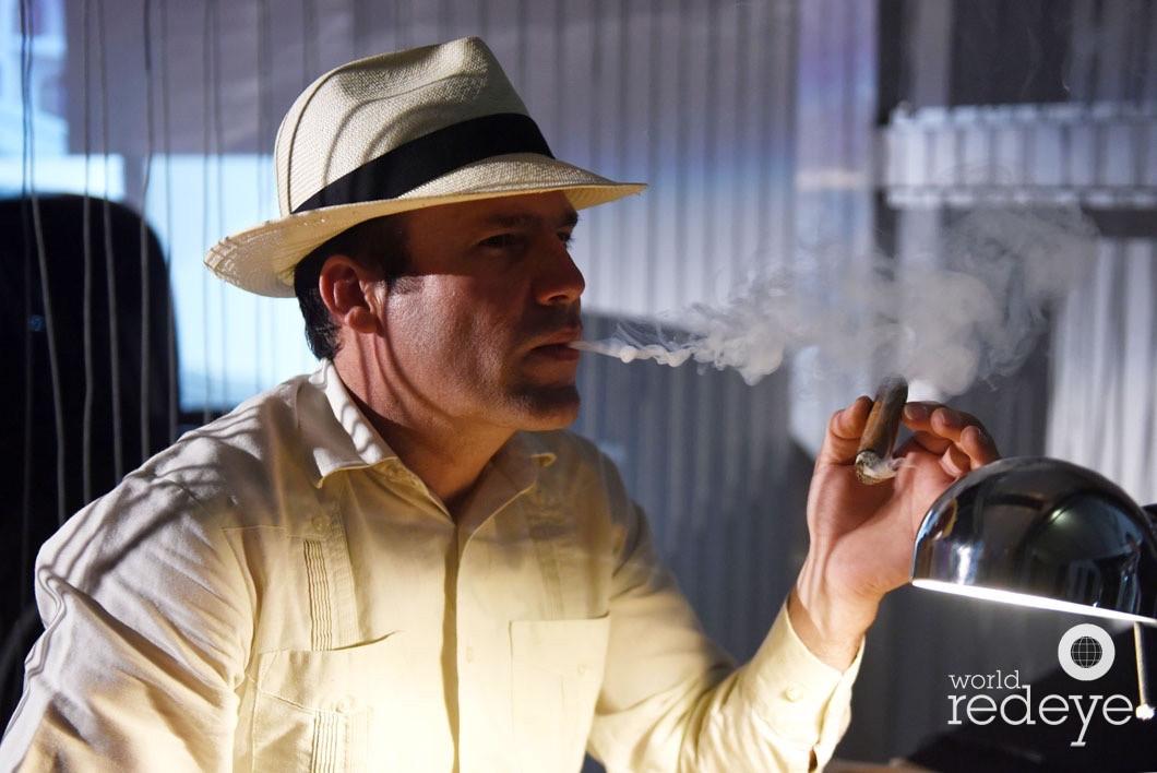 cigar roller.jpg