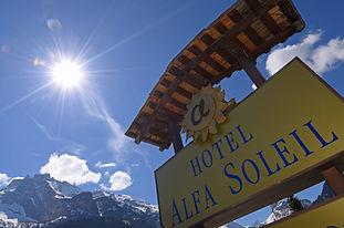 Hotel Alfa Soleil Kandersteg, Tafel.jpg