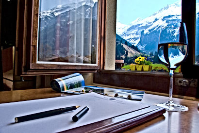 Aussicht aus einem der Zimmer im Hotel Alfa Soleil in Kandersteg in Kandersteg im Berner Oberland